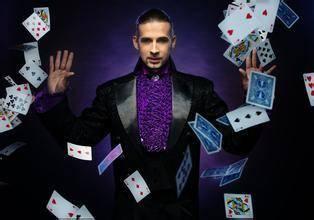 魔术表演赚钱